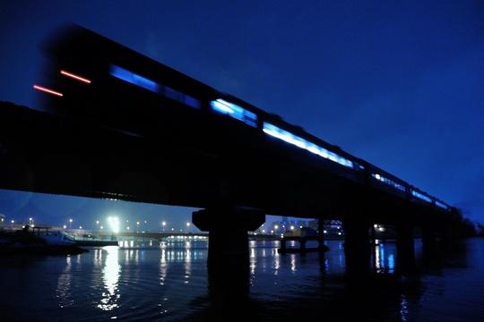 2012 SL冬の湿原号 夕暮れの釧路川